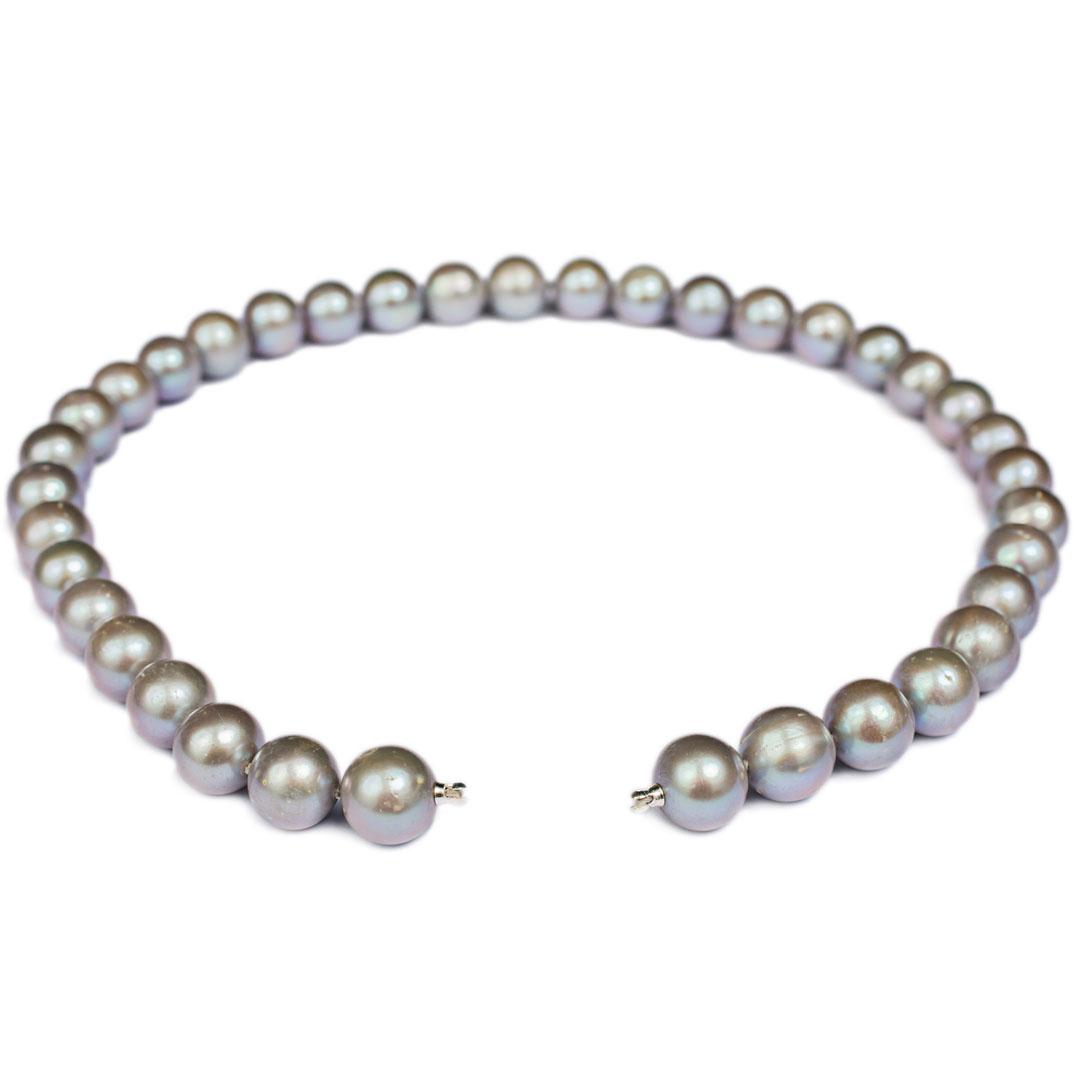 Perlenkette hellgrau