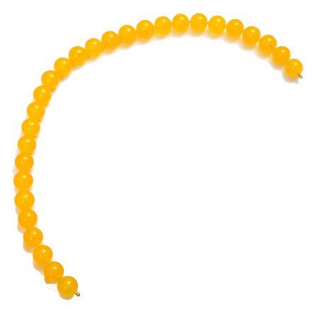 Perlenkette gelb glaenzend